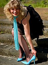 Outdoor in black barefeet stockings