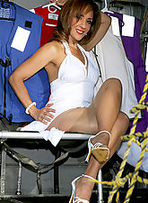 Ronis Paradise of Stockings and Pantyhose